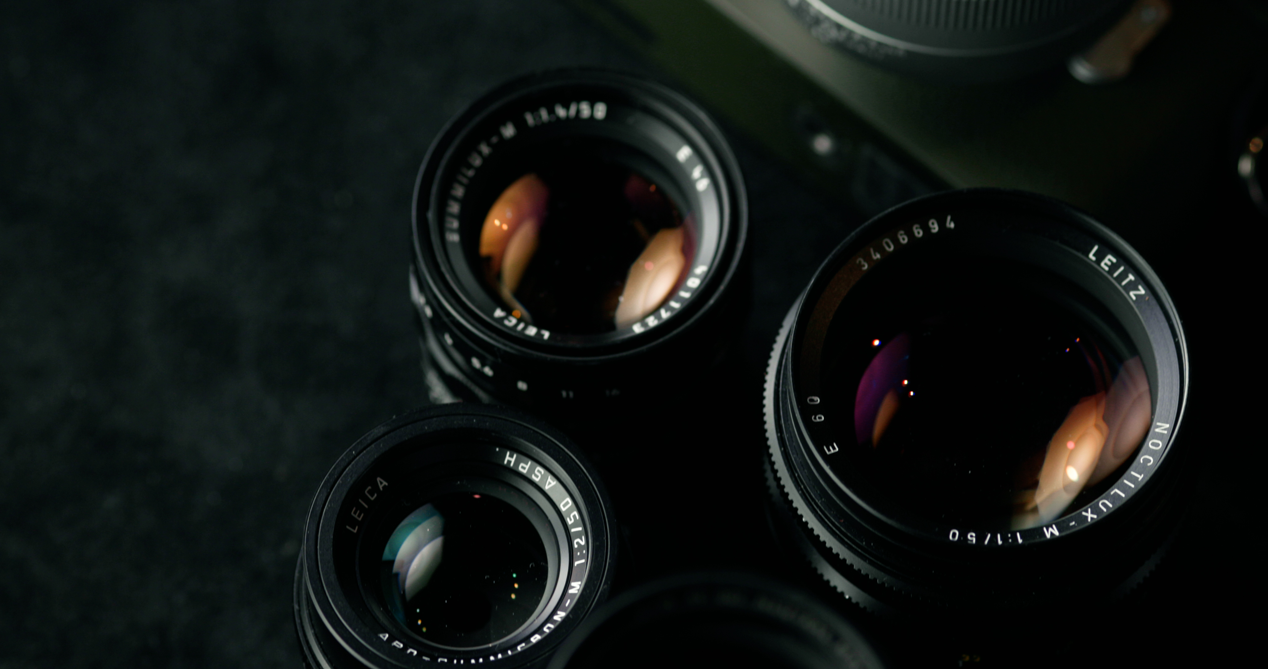 Leica 50mm Summicron 50mm f/2.0 Apo vs. Zeiss Sonnar 50mm f/1.5 - A Comparison Review
