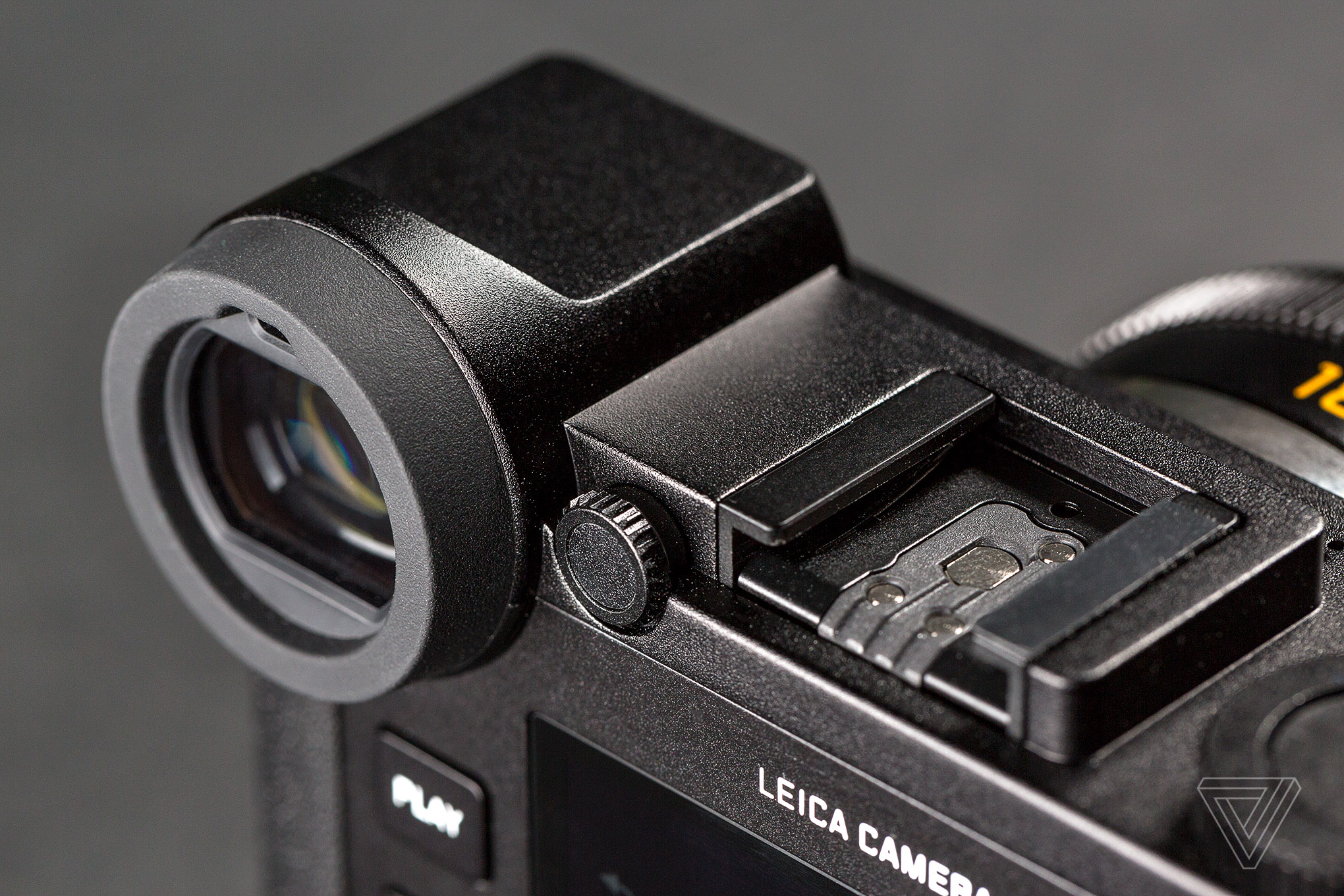 Leica CL Camera Review - Leica Review - Reviewed by Oz Yilmaz