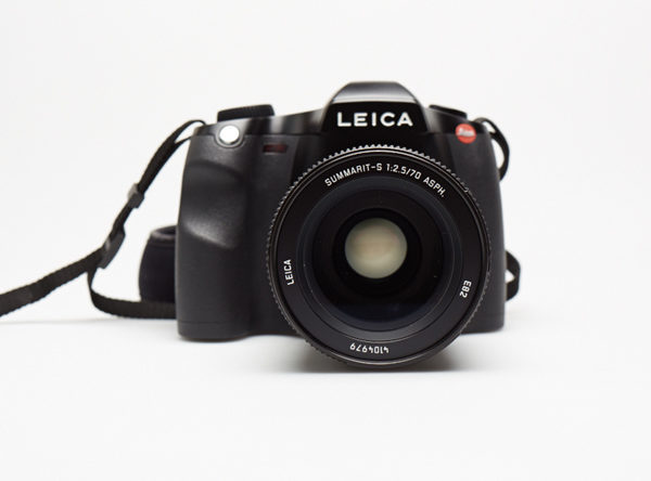Leica S Camera Review by Master Photographer Oz Yilmaz explains how to use Leica S medium format camera for best photography results, photography tips.