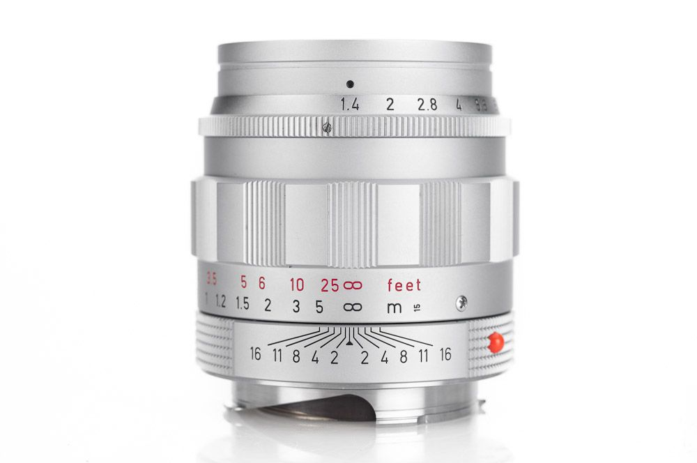 Leica Summilux M 50mm f/1.4 Lens Street Photography by Master Photographer Oz Yilmaz shows Leica Summilux M 50mm f/1.4 Lens for street photography tutorial