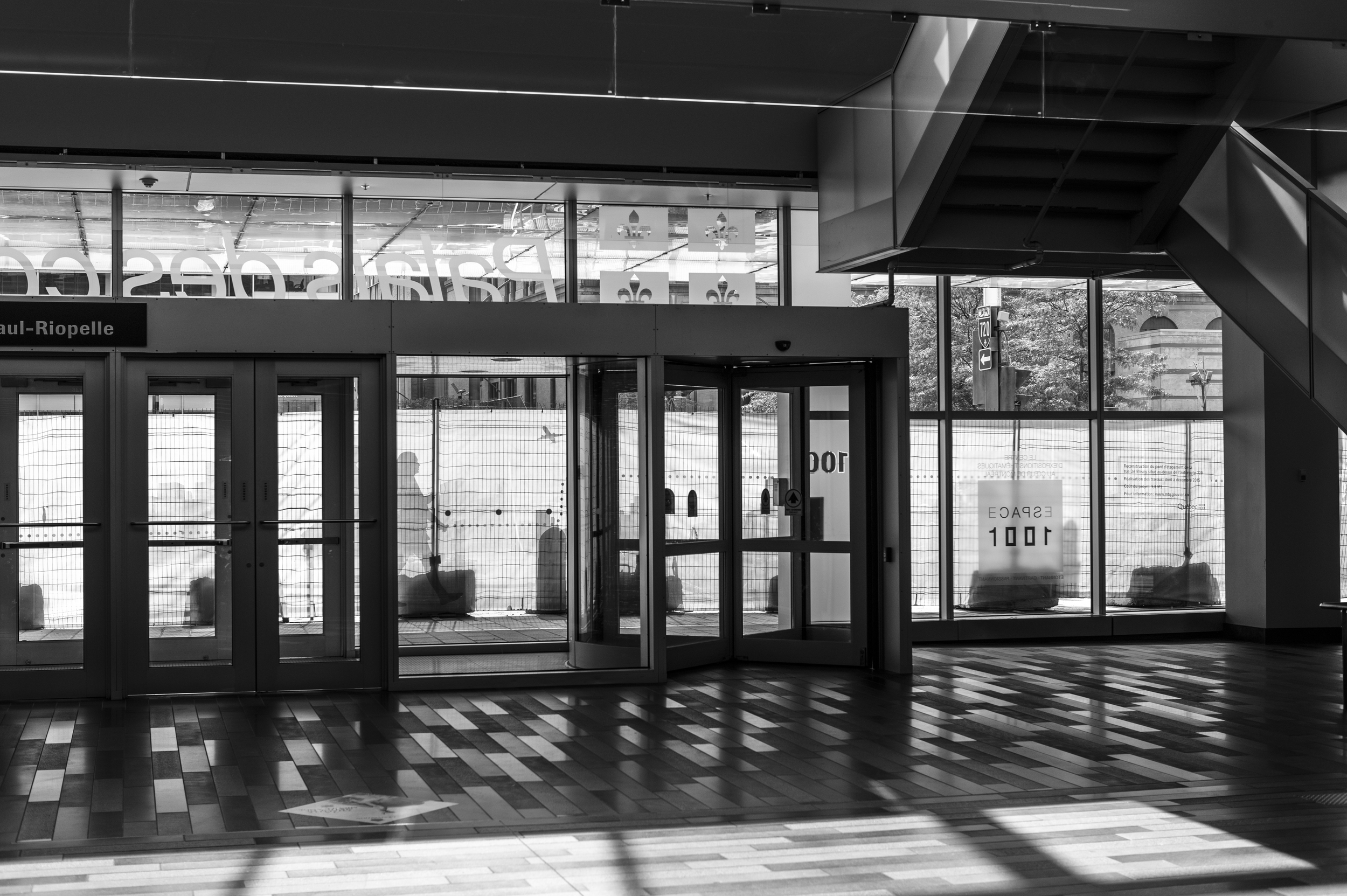 Leica Noctilux-M 50mm f/0.95 Lens Architectural Photography, Master Photographer Oz Yilmaz explains Architectural Photography in this Photography Tutorial.